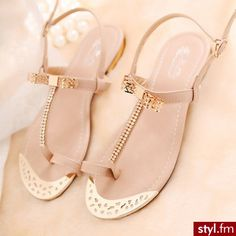 <3 #nude #gold #sandals