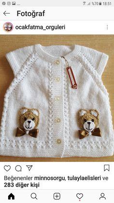 How To - Crochet a Simple Baby Beanie for months - Crochet Bande Baby Cardigan, Baby Vest, Baby Knitting Patterns, Knitting For Kids, Left Handed Crochet, Crochet Strawberry, Crochet For Beginners Blanket, Yarn Sizes, Treble Crochet Stitch