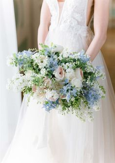 french wedding florals in Provence Images by Sara Damien Blue Wedding Flowers, Floral Wedding, Wedding Bouquet Blue, Bride Bouquets, Bridesmaid Bouquet, Inexpensive Wedding Invitations, Wedding Affordable, French Wedding Style, Wedding Welcome