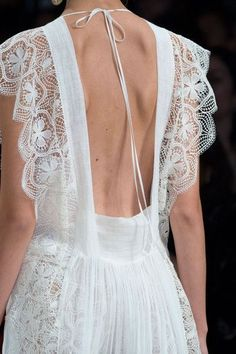 Alberta Ferretti Fashion Show Details