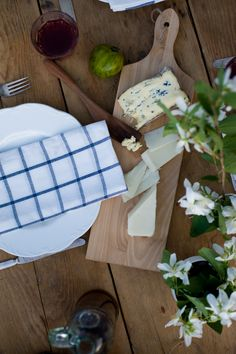 simple table setting ideas - Google Search