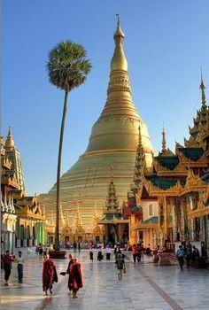 Shwedagon Pagoda - Yangon, Myanmar.  ** This looks lovely.