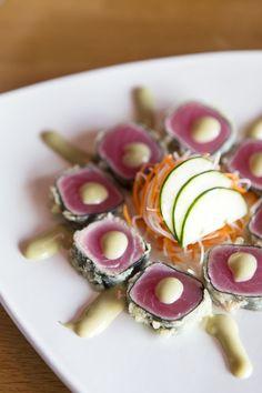 Double Date At Pacific Rim Sushi & Yakitori Lounge – A Taste of Koko - Melhores Receitas 2020 Gourmet Recipes, Cooking Recipes, Gourmet Foods, Sushi Comida, Bento, Japanese Food Sushi, Onigirazu, Salmon And Shrimp, Sushi Love