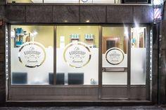 The barber shop salon Galvanized Pipe, Shop Window Displays, Closet Designs, Store Design, Barber Shop, Vintage Shops, Salons, Shopping, Search