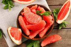 Grapefruit are refreshing, hydrating, and sweet, and one of the few seasonal winter fruits. One large grapefruit runs you just 120 calories. Hydrating Foods, Anti Cholesterol, Potassium Rich Foods, Metabolism Boosting Foods, Best Fat Burning Foods, Vitamin A, Grapefruit Diet, Pink Grapefruit, Vegan Nutrition