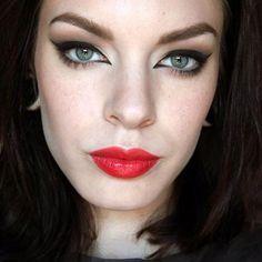Cat eyes red lips