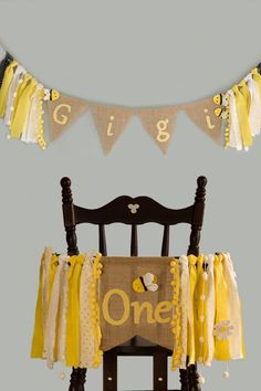 Set of 2 bee banner with high chair banner for one year old baby girl and personalized banner wall hanging name for spring birthday girl