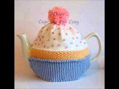 Chloe Cupcake Bithday Cake Vintage DK Yarn Teapot Tea Room Cosy Knitting Pattern - http://www.knittingstory.eu/chloe-cupcake-bithday-cake-vintage-dk-yarn-teapot-tea-room-cosy-knitting-pattern/