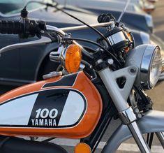 Dt Yamaha, Yamaha Motorcycles, Cars And Motorcycles, Enduro Motorcycle, Motorcycle Tank, Vintage Bikes, Vintage Cars, Youth Dirt Bikes, Yamaha Rx100