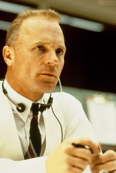 """The magnificent Ed Harris in Apollo 13 : """"We've never lost an American in space and we're certainly not going to lose one on my watch. Failure is not an option."""" Makes the hairs on the back of your neck stand up. Appaloosa, Apollo 13 1995, Crime, The Villain, Classic Films, Famous Faces, Great Movies, Film Movie, Movies Showing"""