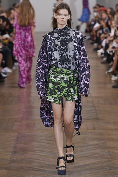 Christian Wijnants Spring 2017 Ready-to-Wear Collection Photos - Vogue