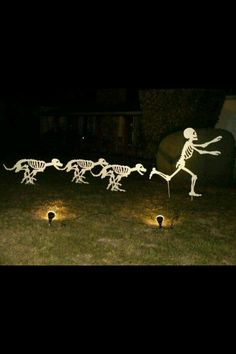Decorating for Halloween is great fun. But don't waste your time and money on Halloween decorations for your space. Use skeleton as your Halloween ideas to make the best one. Halloween Prop, Halloween Outside, Outdoor Halloween, Diy Halloween Decorations, Holidays Halloween, Halloween Crafts, Happy Halloween, Halloween Stuff, Dog Decorations
