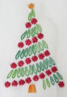 Free Embroidered Christmas Tree: Christmas Tree in Surface Embroidery