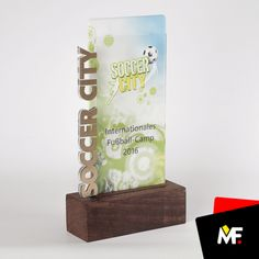 Medale, statuetki, trofea - socialhub.pl Acrylic Plaques, Acrylic Trophy, Glass Awards, Crystal Awards, Trophy Shop, Trophies And Medals, Wood Table Design, Trophy Design, Wood Creations