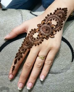 Explore latest Mehndi Designs images in 2019 on Happy Shappy. Mehendi design is also known as the heena design or henna patterns worldwide. We are here with the best mehndi designs images from worldwide. Latest Mehndi Designs, Easy Mehndi Designs, Mehndi Designs For Girls, Mehndi Designs For Beginners, Indian Mehndi Designs, Mehndi Designs For Fingers, Mehndi Design Photos, Beautiful Henna Designs, Bridal Mehndi Designs