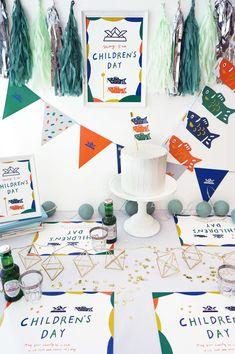 こどもの日の飾り付け♪オリジナルこいのぼりと兜デザインでパーティーを【無料テンプレート】 / ガーランド こどもの日 / PARTY | ARCH DAYS Japanese Party, Child Day, Origami, Diy And Crafts, Backdrops, Place Card Holders, Display, Graphic Design, Boy's Day