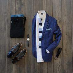 Blue & Black combo inspiration for the office #style #fashion #menswear #mensstyle #flatlay  Knit Tie: @wearlapelpins  Lapel Pin: @jamesharper_  Pocket Square: @oharrowclothiers  Shirt: @standardshirt  Blazer: @jachsny  Watch: @maestrowatches via @sprezzabox  Black Selvedge: @katobrand  Under Garments: @relatedgarments  Socks: @relatedgarments  Shoes: @blakemckay_  Belt: @trafalgarstore