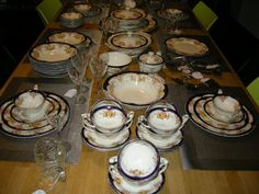 Servies Grindley Ivory The Corona compleet dinerservies voor minimaal 10 personen + enkele extra's Servies