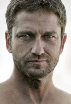 Gerard Butler Moscow Photoshoot - March 2013
