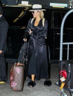 Khloe Kardashian wearing Chanel Spring 2014 Graffiti Backpack, Givenchy Mink Fur & Rubber Slides, Naked Wardrobe the Nw Sheer Duster Coat, Louis Vuitton Pegase Legere 55 Suitcase and Mystylemode Black Ribbed Slit Racerback Midi Dress Khloe Kardashian Photos, Kim Kardashian Show, Kardashian Jenner, Kardashian Fashion, New Boyfriend, Jenner Style, Star Fashion, Women's Fashion, Girl Power