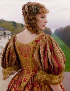 Milla Jovovich as Milady de Winter in The Three Musketeers, 2011 Candy Costumes, Movie Costumes, Cosplay Costumes, Fantasy Costumes, Period Costumes, Beautiful Costumes, Beautiful Gowns, Milady De Winter, Musketeer Costume