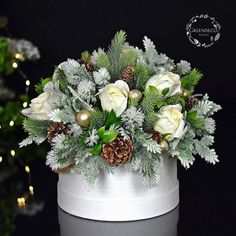Dekoracja swiateczna - flowerbox ♥️ Zapraszamy do sklepu www.greendeco.org #dekoracja #flowersboxes #decoflowers #christmasflowers… Winter Floral Arrangements, Christmas Flower Arrangements, Candle Arrangements, Floral Centerpieces, Christmas Candle Decorations, Flower Decorations, Christmas Floral Designs, Christmas Flowers, Christmas Gifts
