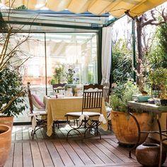 Un ático reformado con terrazas y vistas ideales