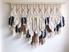 GTQZSY Bohemian Macrame Feathers Tassels Tapestry, Hand Woven Make Cotton Cord Knotting Wall Hanging Art Geometric Wide Banner Pendant for Bedroom, Check this awesome product by going to the link at the image. (This is an affiliate link) Modern Macrame, Macrame Art, Macrame Projects, Macrame Knots, Macrame Wall Hangings, Loom Weaving, Hand Weaving, Art Macramé, Micro Macramé