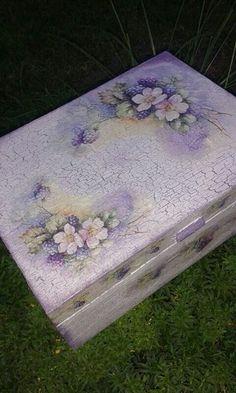 JEWELRY,TEA BOX.Handmade unique decoupage technique box vintage looking.38eur