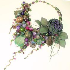 Сны Лесных Роз. Колье из натуральных камней, брошь-цветок – купить в интернет-магазине на Ярмарке Мастеров с доставкой
