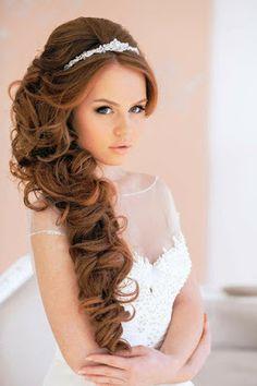 somosnovias:  Peinado de novia de lado 15 Hermosos Looks...