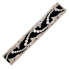 Art Deco Diamond Platinum  Velvet Choker/Bracelet. Beautiful Art Decó choker/bracelet made of platinum and diamonds on a black velvet ribbon. Diamonds are in old mine and old European cut (total weight 19ct approx.)