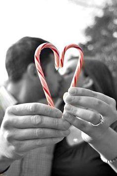 I love this photo, great Christmas photo idea!