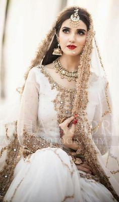 Bridal Mehndi Dresses, Pakistani Bridal Makeup, Asian Bridal Dresses, Pakistani Fashion Party Wear, Nikkah Dress, Pakistani Wedding Outfits, Pakistani Dresses Casual, Bridal Dress Design, Wedding Dresses For Girls