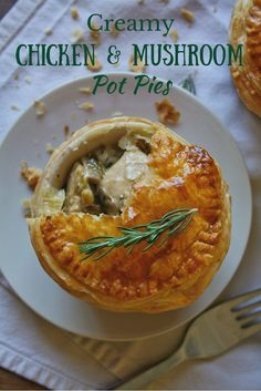 Creamy chicken and mushroom pot pies – Cupcakes and Couscous Mini Pie Recipes, Puff Pastry Recipes, Chicken Recipes, Cooking Recipes, Chicken Meat Pie Recipe, Grilled Chicken, Chicken Meals, Creamy Chicken Pie, Chicken And Mushroom Pie