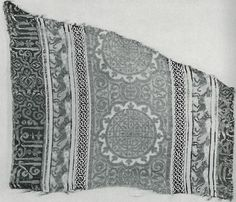 Spain - fabric,1st half 14. c, Museum of Fine Arts, Boston. In: May, F.L.: Silk textiles of Spain. HSA, New York, 1957. fig. 86.