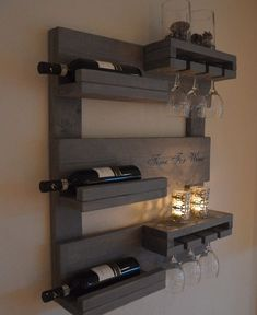 - All For House İdeas Wine Rack Wall, Wine Glass Rack, Palette Deco, Rustic Wine Racks, Pallet Wine, Bars For Home, Pallet Furniture, Home Projects, Diy Home Decor