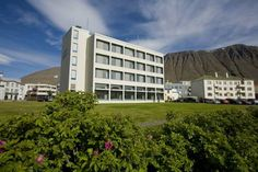 Hotel Isafjördur Isafjordur Situated in central Isafjördur, on Silfurtorg Square, this hotel offers a restaurant and bar and panoramic views of the fjord and surrounding mountains. Guests can enjoy free in-room Wi-Fi and free parking.