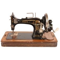 Vesta Sewing Machine/just as decor I'm not sewing snot lol