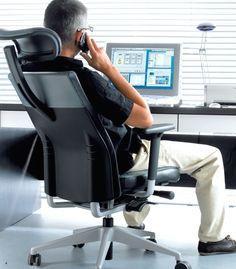 Krzesła biurowe z kolekcji One to propozycja ergonomicznego siedziska dla najbardziej wymagających użytkowników.