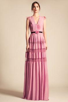 Temperley London Resort 2014 Fashion Show Pink Fashion, Runway Fashion, Fashion Show, Fashion Dresses, Fashion Design, Fashion Details, Women's Fashion, Dresses 2013, Spring Dresses
