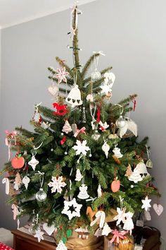 Pierniczki na choinkę – Kuchnia w formie Xmas, Christmas Tree, Holiday Decor, Home Decor, Teal Christmas Tree, Decoration Home, Room Decor, Christmas, Navidad
