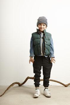 Lookbook Bellerose Kids collection FW'16 / Coat Luc - Shirt Paol - T-shirt Vitel - Pants Peran