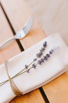 Lavendel bruiloft. Decoratie