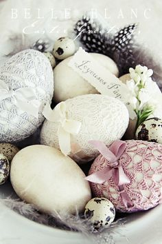 BELLE BLANC: Crocheted Easter eggs - how pretty!  Need to find out pattern.