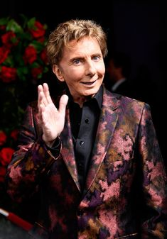 Barry Manilow Photos Photos - 2017 BMI Icon Award recipient Barry Manilow at the Broadcast Music, Inc (BMI) honors Barry Manilow at the 65th Annual BMI Pop Awards on May 9, 2017 in Los Angeles, California. - Broadcast Music, Inc (BMI) Honors Barry Manilow at the 65th Annual BMI Pop Awards - Red Carpet