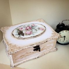 Best jewerly box ideas decoupage ideas ideas jewerly box wood vintage for ideas jewerly box wood vintage for 2019 jewerlyDecoupage and / or paintingDecoupage and / or paintingBest Jewerly Box Ideas Decoupage Ideas Shabby Vintage, Vintage Box, Decoupage Box, Decoupage Vintage, Painted Boxes, Wooden Boxes, Pretty Box, Blue Wood, Altered Boxes