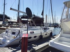 Our new toy 42' Foot Hunter 420 we tried a deck boat but it wasn't for us back to sailing yay!
