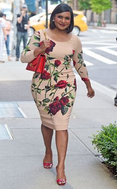 Mindy Kaling Rocks Floral Prints From Alexander Mcqueen and Dolce & Gabbana 2