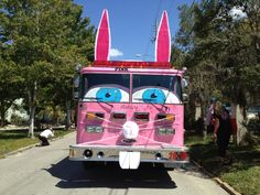 Johns County Chapter's truck Ashley in the Easter Parade 2013 Strange Cars, Weird Cars, Crazy Cars, Pink Truck, Easter 2018, Easter Parade, Emergency Vehicles, Templates Printable Free, Fire Trucks